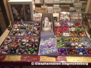 Kugeln und Kugeln Weihnachtshütte Goethe Galerie