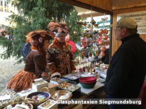 Hofmarschall und Hofdame